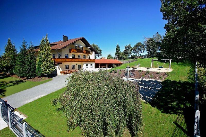 Landhaus Frauenberg im Sommer