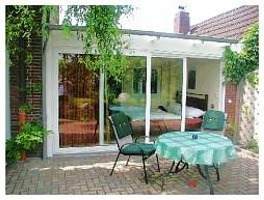 appartment ferienwohnung in aurich mieten. Black Bedroom Furniture Sets. Home Design Ideas