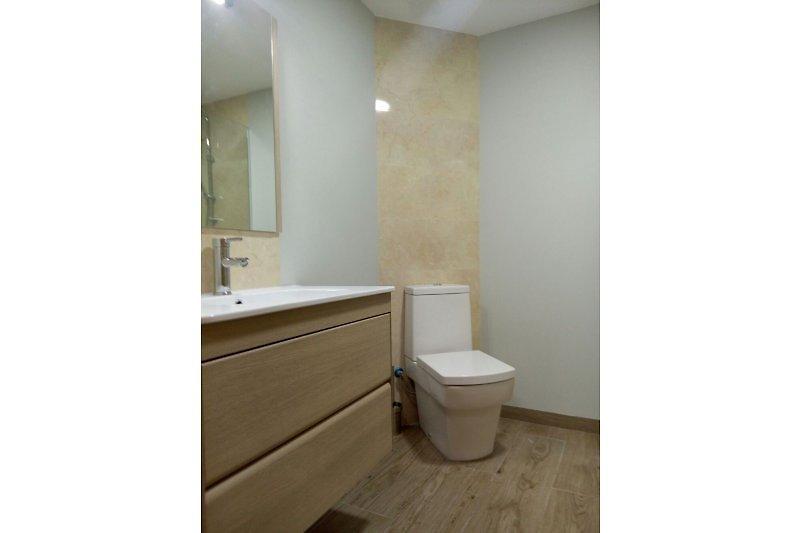 Badenzimmer mit Dusche