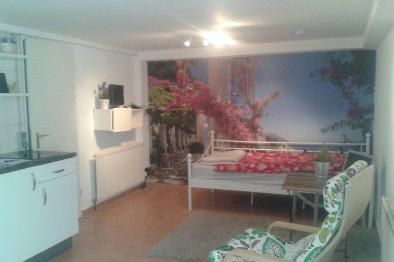 souterrain n he d sseldorf unterkunft in d sseldorf mieten. Black Bedroom Furniture Sets. Home Design Ideas