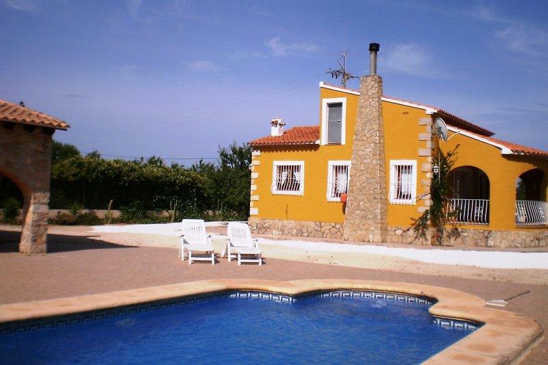 Villa Benibrai en Jalón (Alicante)