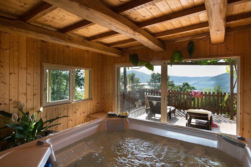 Ferienhaus mit Privatem Jacuzzi