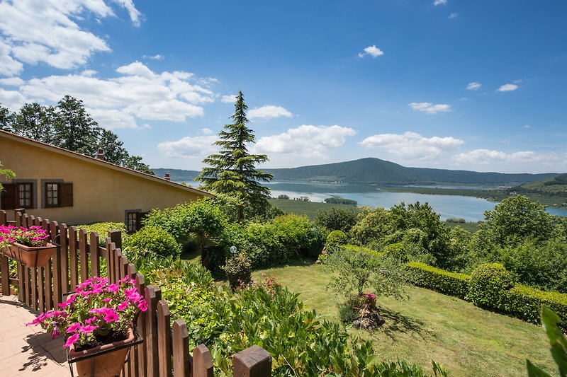Holiday Villa for rent in elevated panoramic position ( 600m ) near Viterbo on the borders of Tuscany, Umbria and Lazio