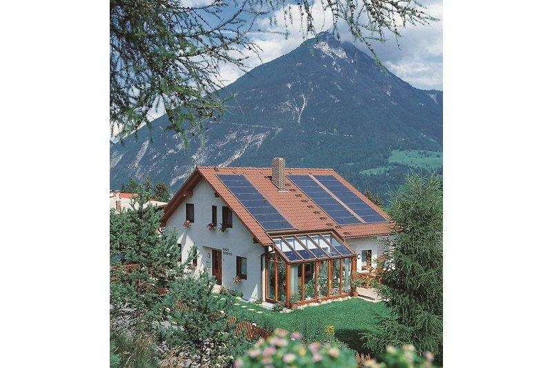 Haus Florian mit Hausberg Tschirgant