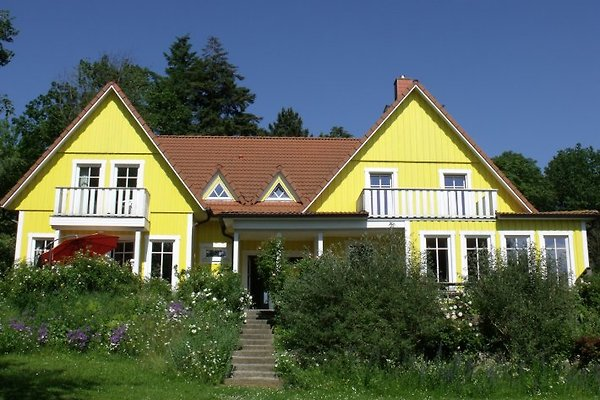 großes Schwedenhaus am See in Malente - immagine 1