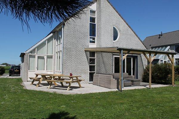 Luxus Villa Mooy in Julianadorp aan Zee - Bild 1