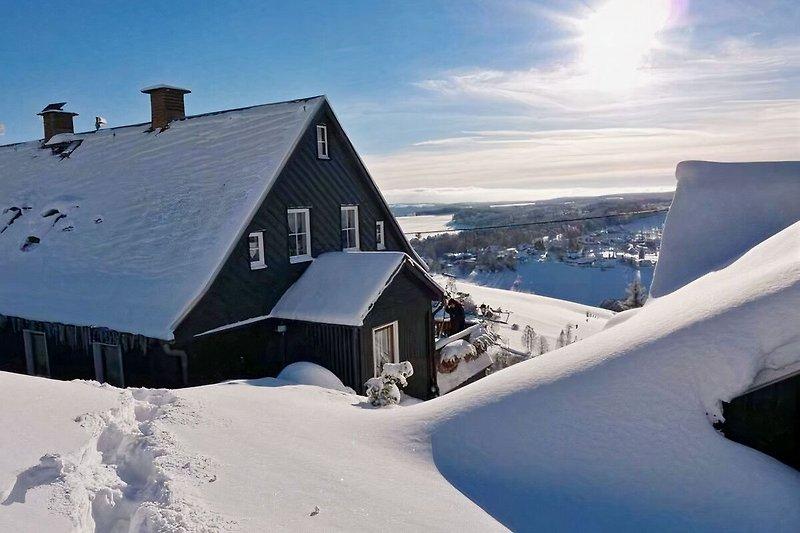 unser Haus in bester Lage am sonnigen Südhang des Aschbergs