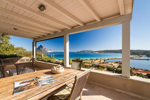 House with a fantastic view! à Porto Taverna - Image 1