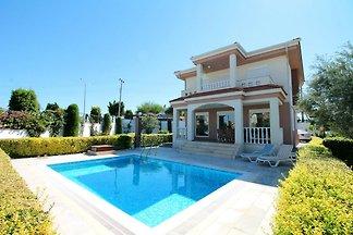 Aguarius Villa
