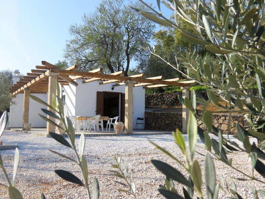 elicrisio ferienhaus in orosei mieten. Black Bedroom Furniture Sets. Home Design Ideas