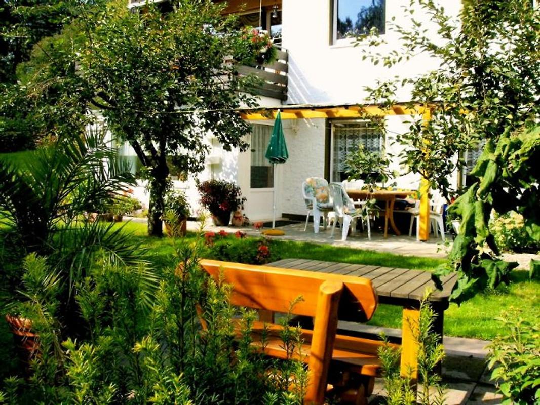 haus im gr nen ferienwohnung in bad harzburg mieten. Black Bedroom Furniture Sets. Home Design Ideas