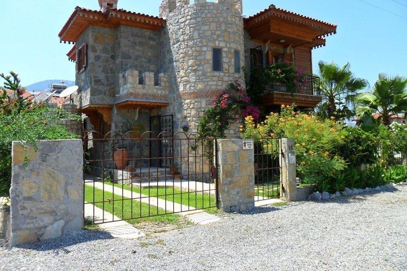 Eigene eingang zum Castle Appartment