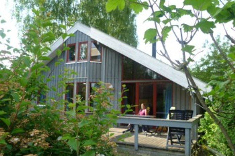 Terrassenseite des Ferienhauses