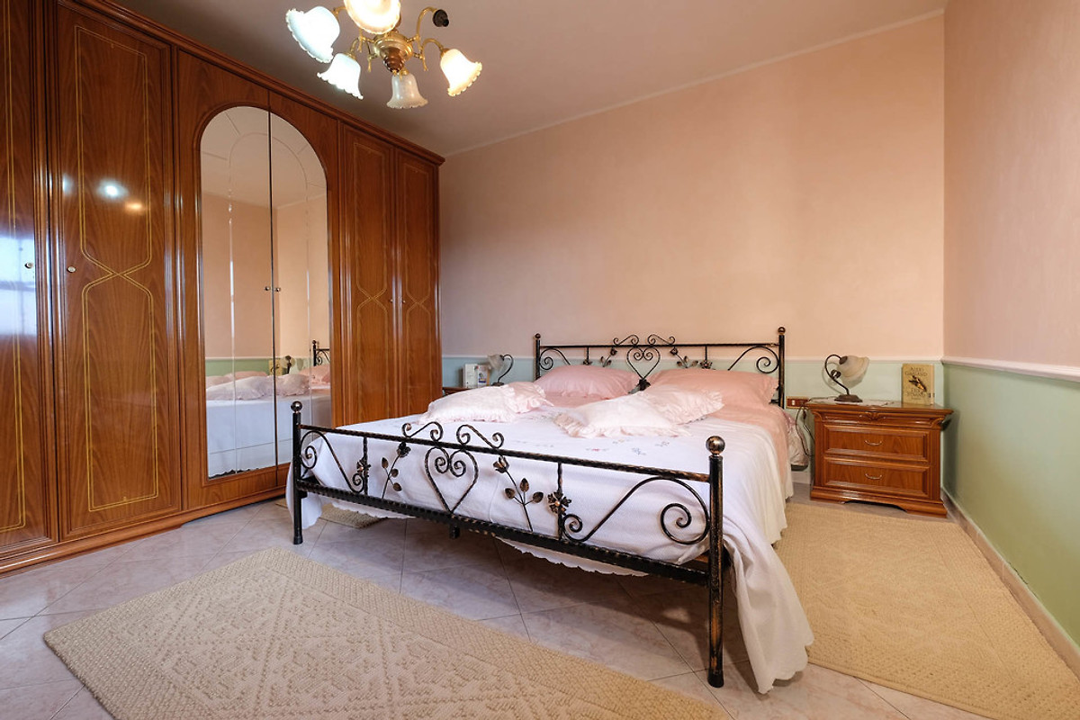 Casa carmelo alloggio in gonnesa affittare - La valigia sul letto iglesias ...