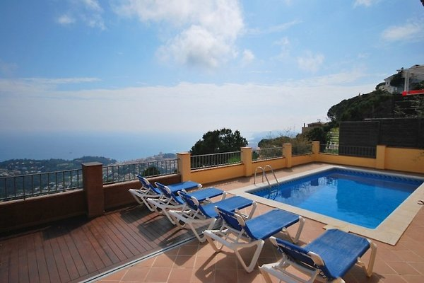 Villa Whitney in Lloret de Mar - Bild 1