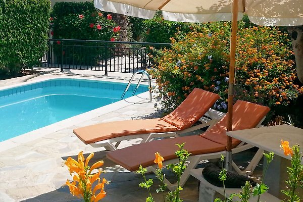 Kissonerga appartment b ferienwohnung in kissonerga mieten for Garten pool wanne