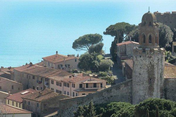 Villetta a schiera con panorama in Castiglione della Pescaia - immagine 1