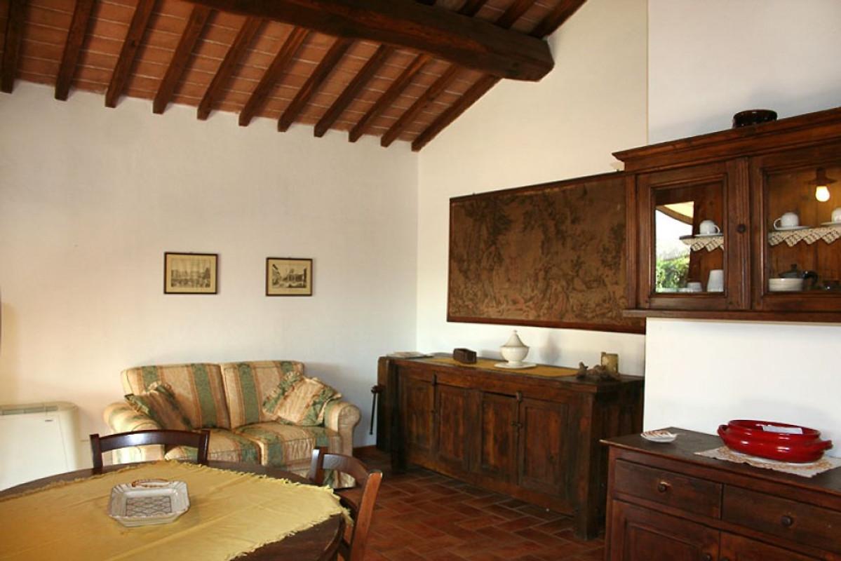 Annesso casa vacanze in cecina affittare for Arredamento toscano