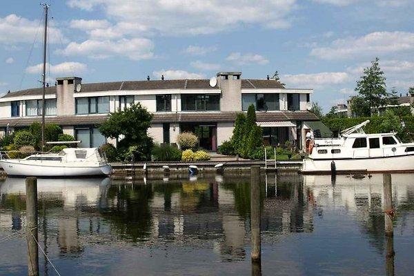 Maison Lemmer, bateau, jetée 11m à Lemmer - Image 1