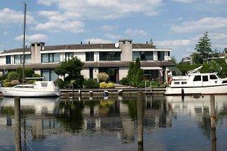 Ferienhaus Lemmer u. 11m Steganlage