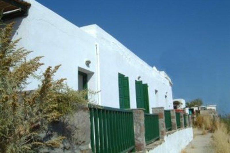 Haus LUKIANOS en Milos - imágen 2