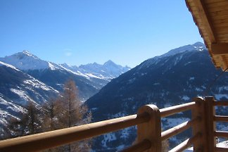Single chalet with special comfort in the middle of the ski area 4 Vallées, Valais