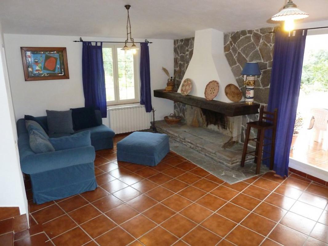 villa nunzia am meer mit pool ferienhaus in sa lumenera mieten. Black Bedroom Furniture Sets. Home Design Ideas