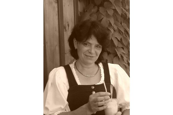 Frau M. Landler