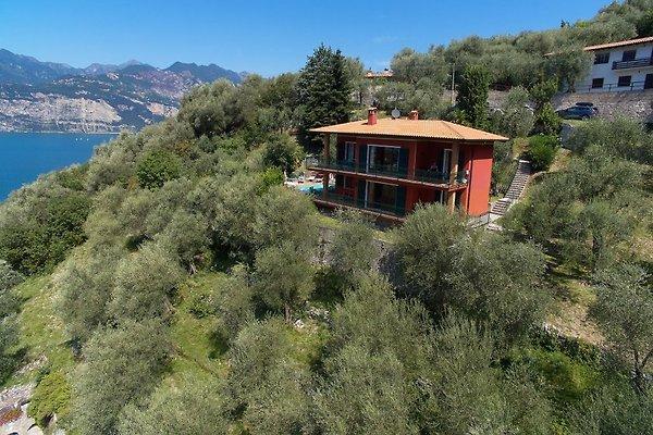 Grote villa met dream seeblich vakantiehuis in malcesine for Grote villa