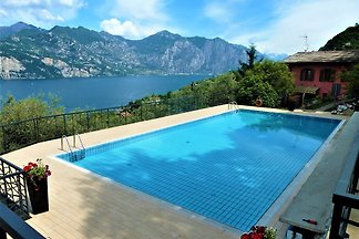 Private apartment in Riva