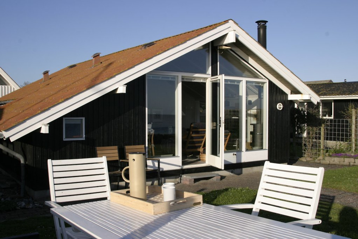 tolles ferienhaus direkt am strand ferienhaus in otterup mieten. Black Bedroom Furniture Sets. Home Design Ideas