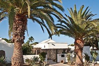 Ferienhaus für 2-8 Personen mit beheiztem Privatpool (8 m x 4 m, durchgängig  1.60 m tief) nahe Meer und Golfplatz