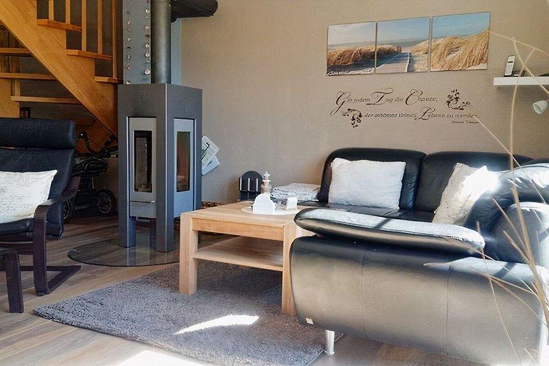 Wohnzimmer mit Designerkamin