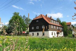 Landstreicherhaus mit 3 F-Wohnungen