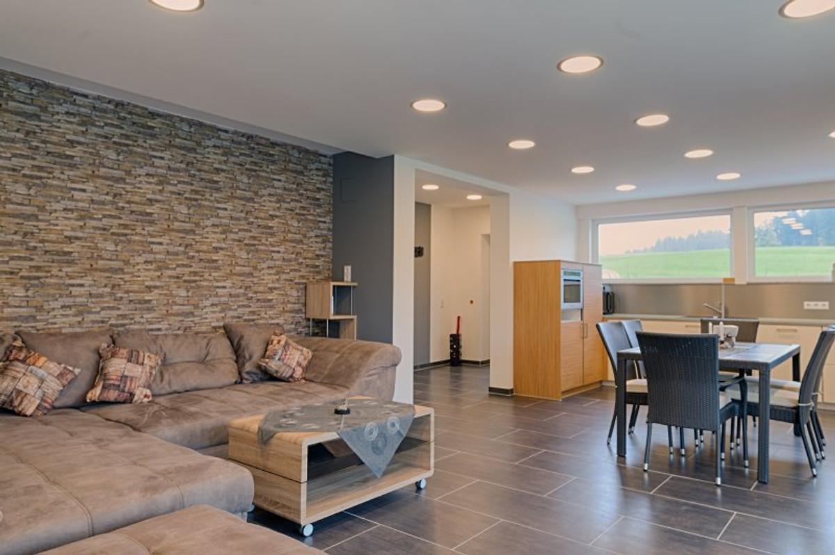 moderne 3 5 zi wohnung barrierefrei ferienwohnung in buchenberg mieten. Black Bedroom Furniture Sets. Home Design Ideas