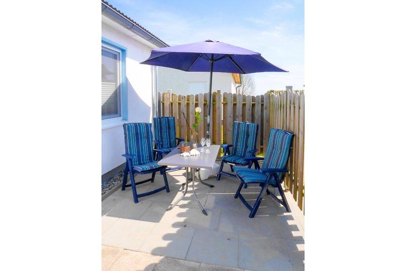 Terrasse Haus 24 mit Gartenmöbel