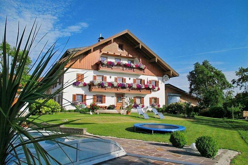 Panorama-Ferienhof Nußbaumer in Mondsee - immagine 2