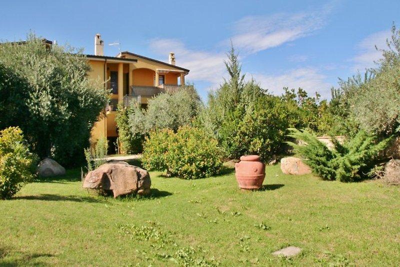 Garden villa Gramà