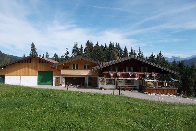 Berghof Felder Ansicht Sommer