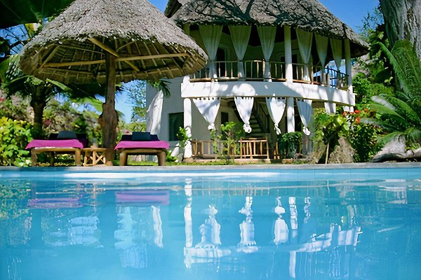 Villa Mbuyu-Diani Beach