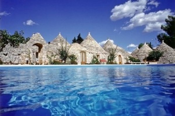 Beautiful and luxury trulli en Gioia del Colle - imágen 1
