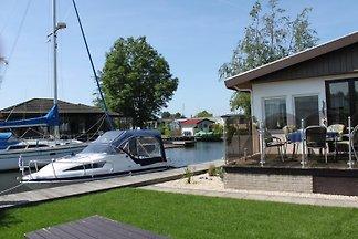 Wasser Chalet de Brekken +Sportboot