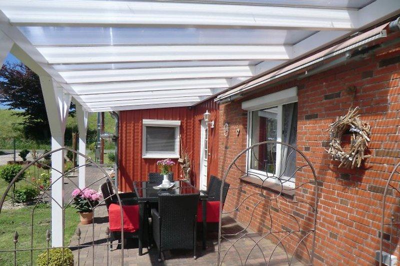2. Überdachte Terrasse
