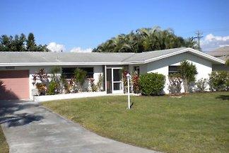 Villa Kerr Cape Coral FL 2/2 Pool