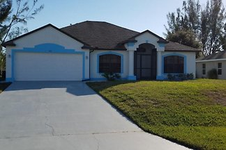 Villa Blue Palm Cape Coral 3/2 Pool
