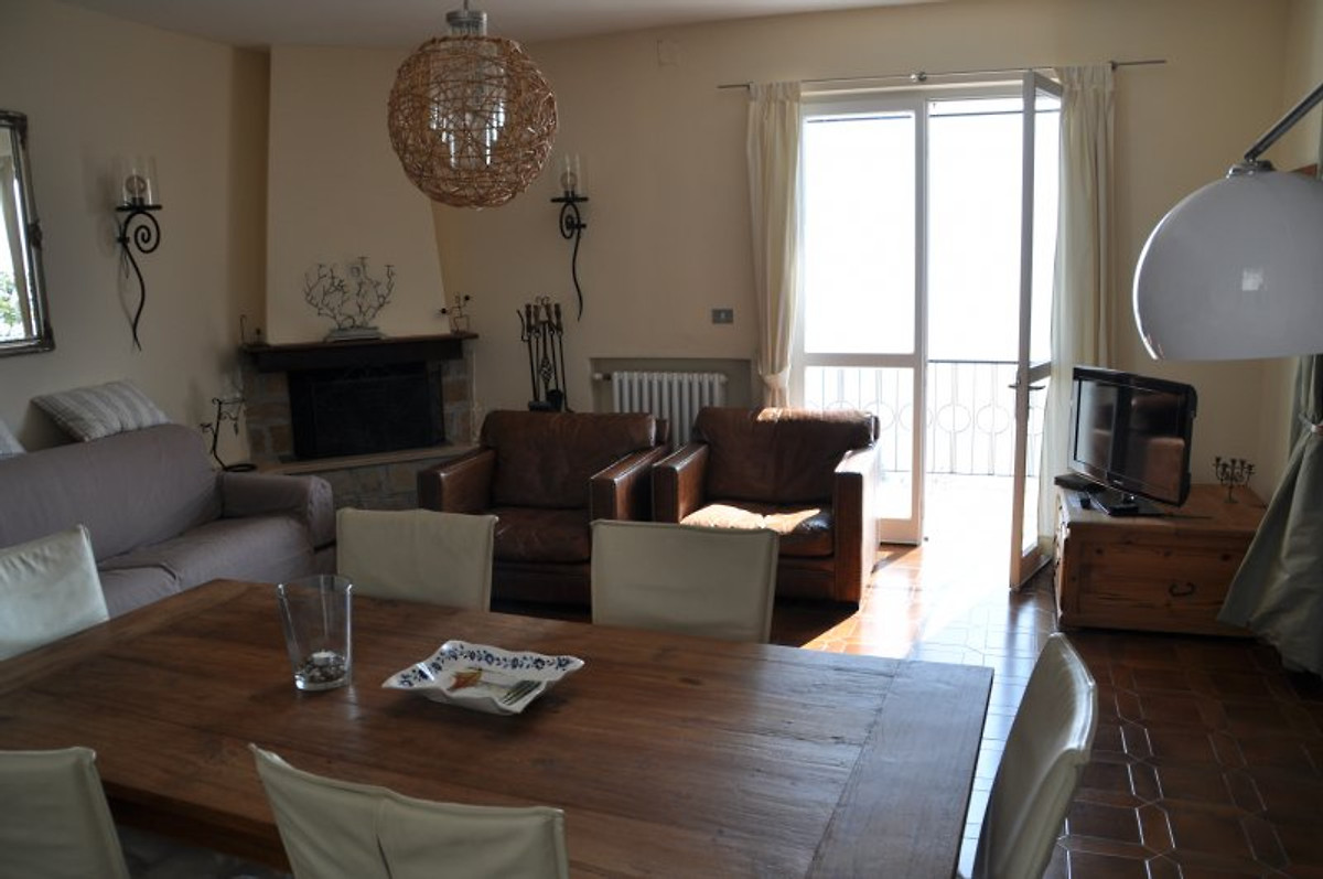 casa lupita ferienhaus in toscolano maderno mieten. Black Bedroom Furniture Sets. Home Design Ideas