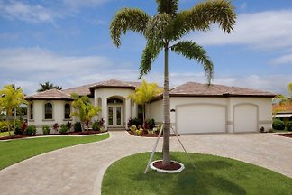 Villa Palms at Mayfair