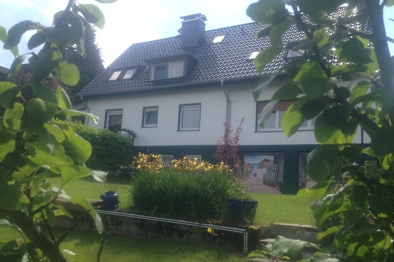 Berg. EF Haus mit gr. Garten