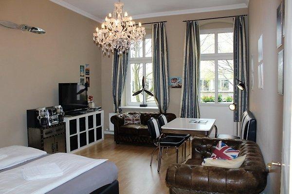 Zentrale ferienwohnung ferienwohnung in moabit mieten for Wohnzimmer zur mitte