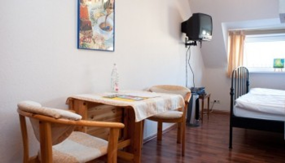 apartament ferienwohnung apartament w moabit. Black Bedroom Furniture Sets. Home Design Ideas